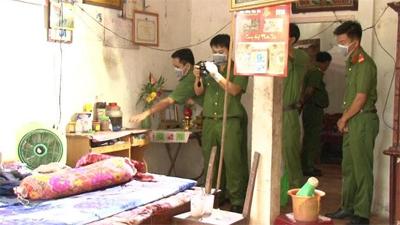 Bắt khẩn cấp nghi can sát hại cha mẹ ruột ở Vĩnh Long