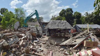 Động đất gần 7 độ Richter lại làm rung chuyển Indonesia