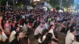 Mở 8 màn hình lớn phục vụ ASIAD, phố đi bộ Nguyễn Huệ ngập trong biển người