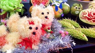 'Chó bưởi' lên ngôi mùa Trung thu, 300-600.000 đồng/con, người bán tăng ca mà vẫn không kịp đơn đặt hàng