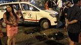 Nhân chứng vụ ô tô BMW tông hàng loạt xe: 'Tôi đang chờ đèn đỏ thì bị hất tung lên trời'