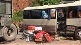 Thông tin mới nhất vụ xe khách đối đầu xe tải làm 12 người bị thương