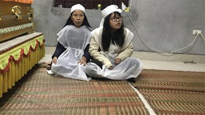 Tai nạn 8 người chết ở Hải Dương: 'Nhìn vợ tài xế rất đáng thương, tội nghiệp'
