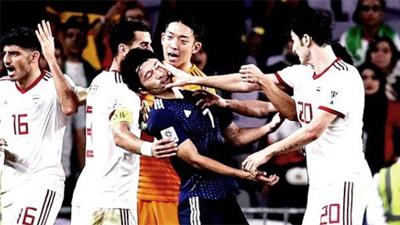 Cầu thủ Nhật tiết lộ chuyện chạm mặt đối thủ Iran trong thang máy sau xô xát trên sân cỏ