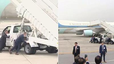 Xe thang chuyên cơ của Tổng thống Trump gặp trục trặc, đặc vụ Mỹ phải hợp sức đẩy ra trước khi chuyến bay cất cánh