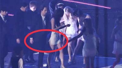 Sốc: Rò rỉ clip Lee Jong Hyun biến thái 'sàm sỡ' vòng 3 của YoonA (SNSD) ngay trên sân khấu