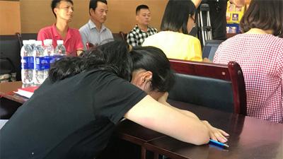 Cô giáo đánh, tát nhiều học sinh ngay trong lớp: 'Tôi lo lắng các em không đủ thời gian làm bài kiểm tra'