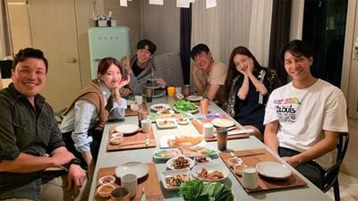 Dàn cast Vagabond bí mật tổ chức tiệc sinh nhật cho Suzy