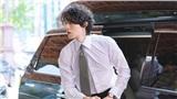 Khoảnh khắc bước xuống xe đẹp tựa nam thần của Lee Dong Wook