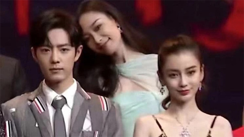 Khoảnh khắc 'hot' trên Weibo, đàn chị Nghê Ni phát cuồng khi gặp mỹ nam 'Trần Tình Lệnh' Tiêu Chiến