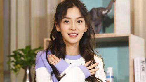 Vì tham gia show Keep Running của đài Chiết Giang, Angelababy bị thương tật vĩnh viễn ở ngón áp út