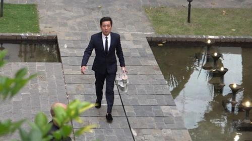 Vì một hành động trong đám cưới Hoàng Oanh, Trường Giang được khen ngợi là 'ông chồng chiều vợ nhất showbiz Việt'
