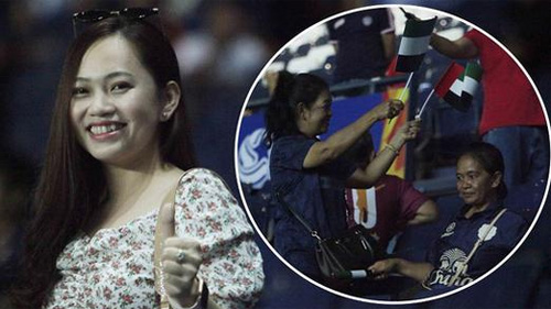 CĐV Thái Lan cầm cờ, cổ vũ UAE trên sân Buriram vì 'dạo này thua Việt Nam hơi nhiều'