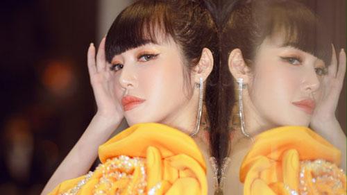 Elly Trần xuất hiện lộng lẫy như đóa hoa, trấn an fan về việc hốc hác, sụt cân