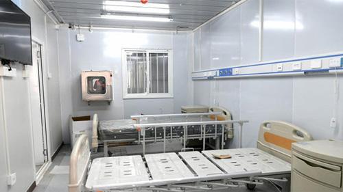 Bệnh viện dã chiến thứ 2 của Vũ Hán chính thức chào đón đội ngũ y tế đầu tiên, chỉ tiếp nhận bệnh nhân nội trú, không có ngoại trú
