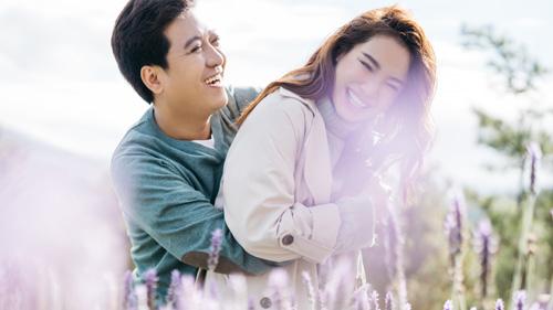 Nhã Phương - Trường Giang tung bộ ảnh ngọt ngào kỷ niệm ngày lễ tình nhân