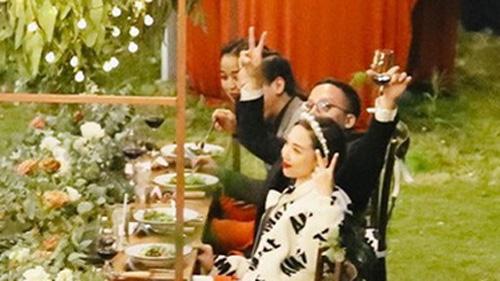 Hé lộ những hình ảnh hiếm hoi nhưng cực lãng mạn trong tiệc cưới bí mật của cô dâu Tóc Tiên và chú rể Hoàng Touliver