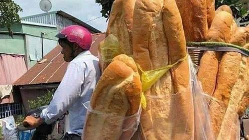 Chiếc bánh mỳ khổng lồ ở miền Tây từng khiến nhiều người cho là sản phẩm photoshop
