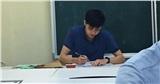 Đi thi gặp thầy giám thị thế này, bảo sao học sinh không thể tập trung làm bài được