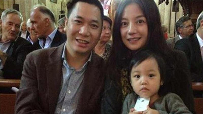 Xóa hết ảnh của chồng, Triệu Vy nhanh chóng tháo chạy trước món nợ khổng lồ?