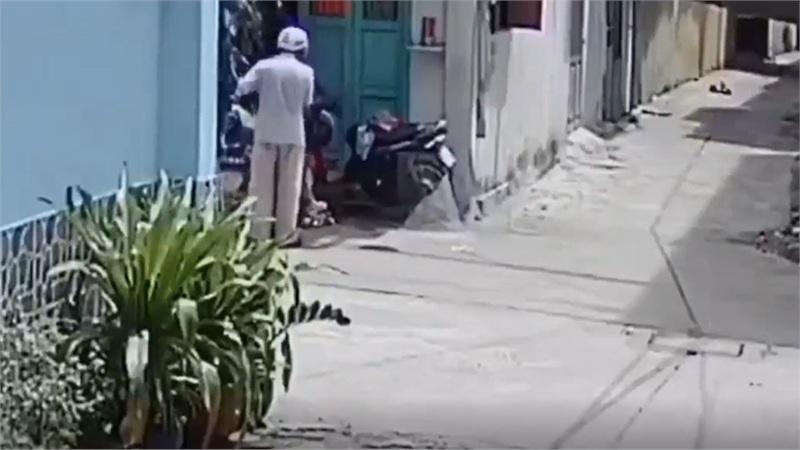 Clip con trai đánh đập dã man bố mẹ già ở Sài Gòn: Nam thanh niên dương tính với ma túy