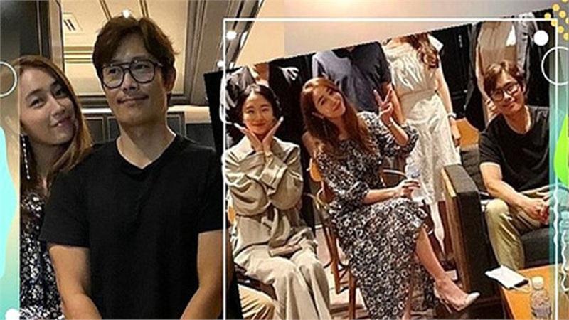 Kết hôn 7 năm nhưng 'tình cũ Song Hye Kyo' và vợ vẫn tình tứ nắm chặt tay nhau đi hội họp nhóm bạn bè nổi tiếng