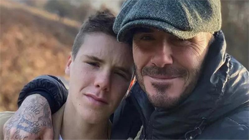 Chê bố xuống sắc vì để râu lởm chởm, con trai ngay lập tức mua tặng món quà 'kỳ lạ' nhưng hữu dụng này cho David Beckham