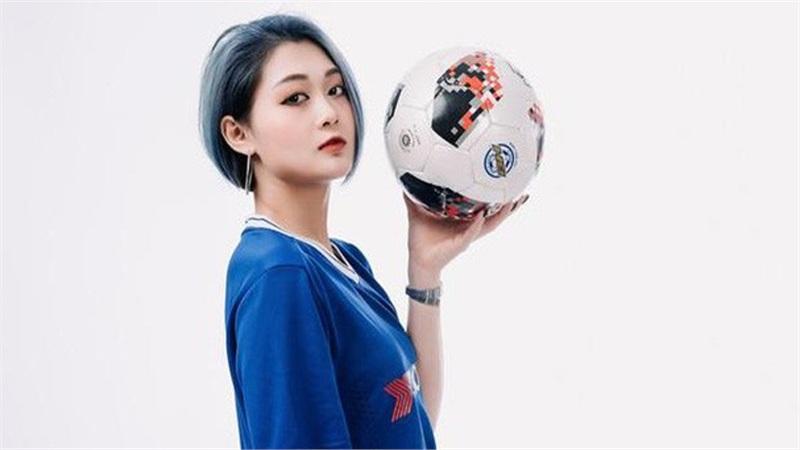 Nữ streamer xinh đẹp, sexy Hảo Thỏ bất ngờ xuất hiện trên fanpage chính thức của CLB Chelsea