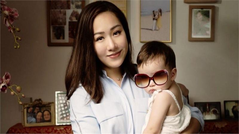 Con gái hoa hậu Ngô Phương Lan gây bất ngờ khi biết 'sương sương' 3 thứ tiếng dù mới 18 tháng tuổi