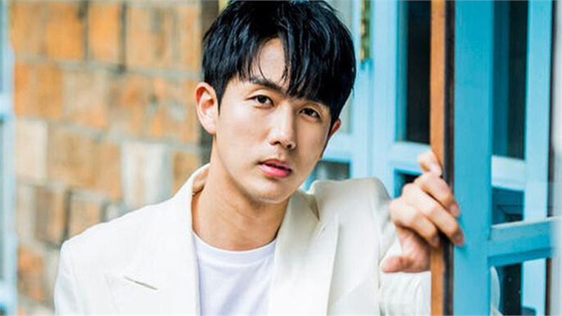 NÓNG: Chính thức khởi tố nam idol Seulong (2AM) vì tội gây tai nạn chết người
