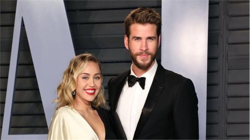 Miley Cyrus bức xúc vì bị công chúng chỉ trích khi ly hôn với chồng cũ Liam Hemsworth