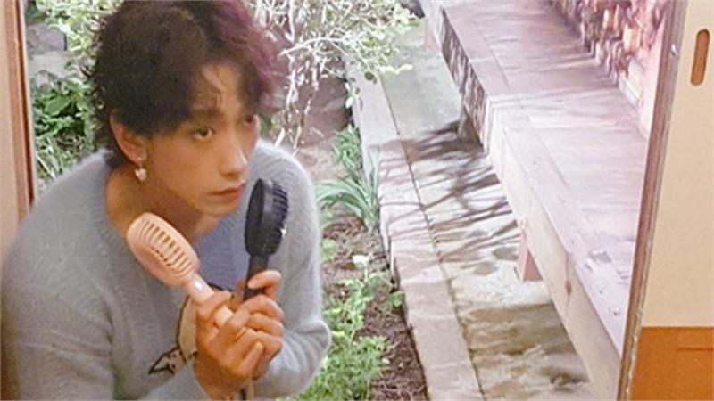 No.1 hot search MXH Hàn Quốc: Ông xã Kim Tae Hee đeo 'bông tai của con gái'