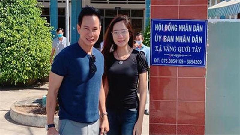 Sao Việt quyên góp cứu trợ miền Trung vượt qua lũ lụt, vợ chồng Lý Hải kêu gọi được 500 triệu sau 4 tiếng