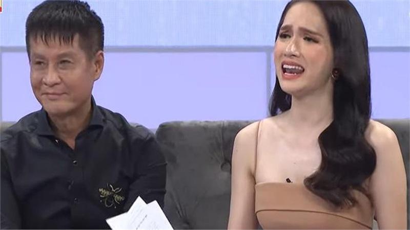 Đạo diễn Lê Hoàng bị chỉ trích dữ dội khi tranh cãi tay đôi với Hương Giang
