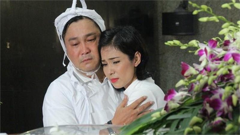 Nghệ sĩ Việt đau buồn, bật khóc nức nở viếng NSND Lý Huỳnh