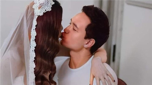 Hà Hồ hôn Kim Lý ngọt ngào trong hậu trường chụp ảnh cưới