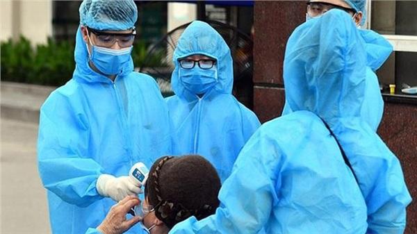 Một tiếp viên hàng không mắc Covid-19, Việt Nam 1.312 ca bệnh