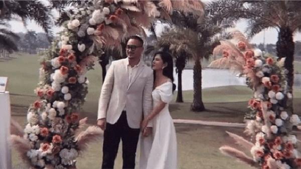 Chọn nơi tình yêu bắt đầu, MC Thu Hoài và hôn phu CEO tổ chức tiệc mời cưới ngay trên sân golf sang chảnh