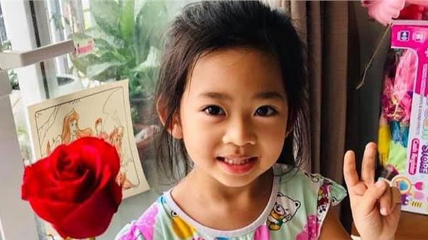 Bảo mẫu tiết lộ con gái Mai Phương muốn gọi mình là mẹ