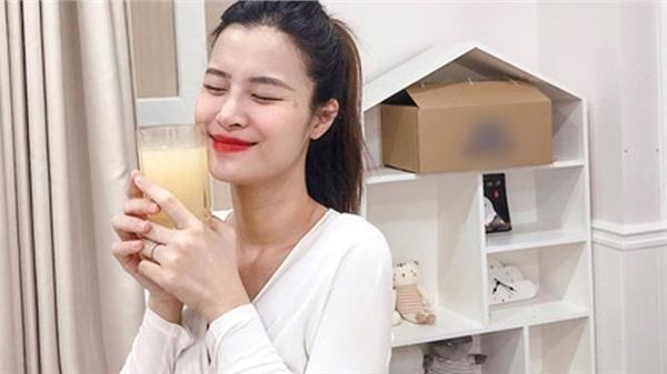 Bình luận một câu trong ảnh của Noo Phước Thịnh, Đông Nhi khiến bạn bè giật mình: 'Có con xong nói chuyện dạn ghê'
