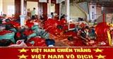 Nhiều xưởng in cờ không ngơi tay phục vụ CĐV tiếp lửa cho Olympic Việt Nam trong trận tứ kết gặp Syria