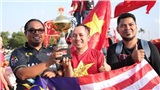 Cập nhật: CĐV Việt Nam hòa cùng CĐV Malaysia phủ kín sân Mỹ Đình trước giờ bóng lăn