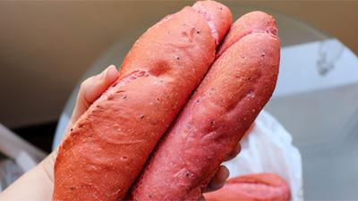 Bánh mì thanh long 'giải cứu' của Việt Nam lên báo quốc tế
