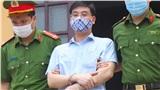 Gian lận thi cử ở Hòa Bình: Cựu trưởng phòng an ninh bật khóc nói 'tôi bị oan, sẽ kháng cáo đến cùng, đời tôi chưa xong thì đời con, đời cháu'