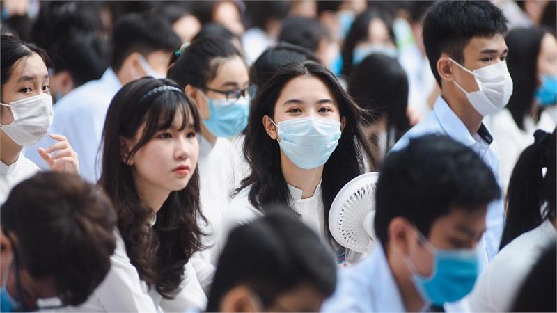 Lịm tim trước nhan sắc xinh đẹp rạng ngời của dàn nữ sinh trường THPT Trần Phú ngày khai giảng
