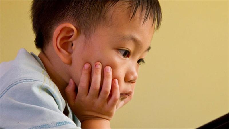 Vì sao nhiều trẻ em ngày nay chán học, thiếu kiên nhẫn và có ít bạn bè?
