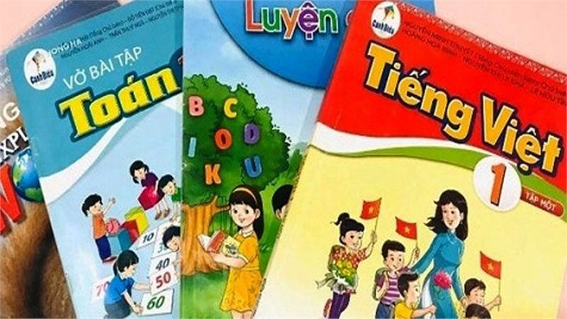 Trước tranh cãi nảy lửa của cộng đồng, Bộ Giáo dục & Đào tạo yêu cầu kiểm tra lại SGK Tiếng Việt lớp 1