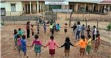 Một ngày 'bám bản, bám trường' gieo chữ của các cô giáo vùng cao Sơn La