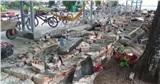Tường rào gần 30 m của trường tiểu học bất ngờ đổ sập