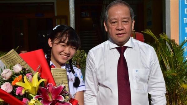 Nữ sinh 13 tuổi viết thư gửi 'mệ Sương thông thái' đạt giải ba quốc tế UPU 49, biết được danh tính mệ Sương ai cũng ngỡ ngàng